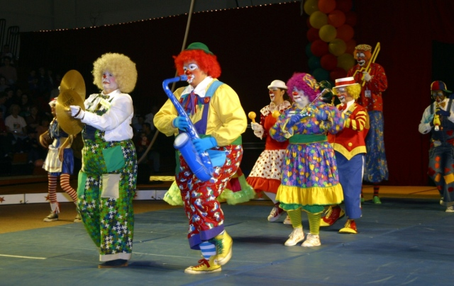 That might put me off music forever....AAAAAAAHHHHHHHHHHHHHH!!!!Photo Credit: tritontrouperscircus.com