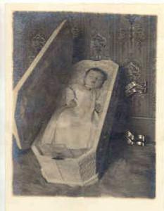 Victorian Memento Mori  Photo Credit Unknown: http://www.theskullillusion.com/